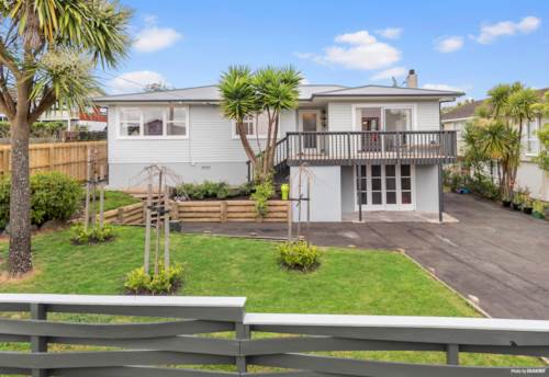 Te Atatu South, A Touch of Ponsonby in Royal View, Property ID: 800405 | Barfoot & Thompson