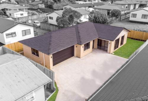 Pukekohe, Designed For Comfortable Modern Living, Property ID: 799609 | Barfoot & Thompson