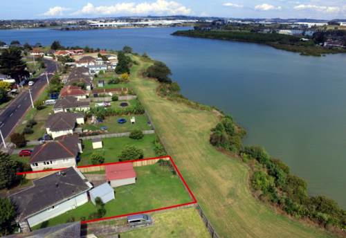 Mt Wellington, Park and water next to your backyard!, Property ID: 800796 | Barfoot & Thompson