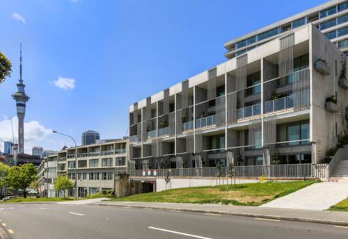 City Centre, Brand New, Minimalistic chic, Modern upper terrace, Property ID: 800738 | Barfoot & Thompson