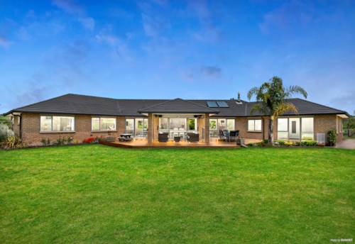 Pukekohe, SUPER SIZED HOME + SHEDDING - LOW MAINTENANCE LIVING, Property ID: 801258 | Barfoot & Thompson