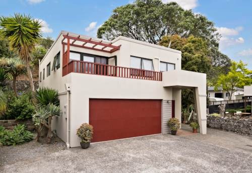 Mt Wellington, MOST SOUGHT AFTER TRANQUIL LOCATION, Property ID: 801322   Barfoot & Thompson