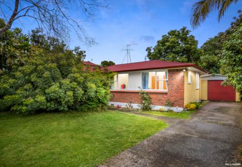 Mt Wellington, Do-Up or Development Site!, Property ID: 801673   Barfoot & Thompson