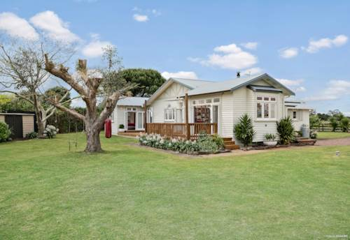 Buckland, CHARMING COUNTRY COTTAGE - 4BRM + OFFICE ON 1HA, Property ID: 801850 | Barfoot & Thompson