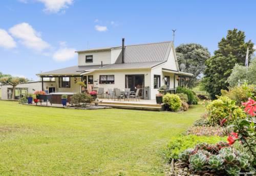 Tuakau, Immaculately Presented Family Home, Property ID: 801814   Barfoot & Thompson