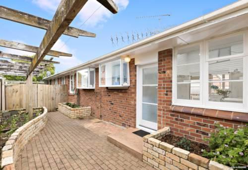 Mt Wellington, All You Need Brick & Tile in Mt Wellington, Property ID: 801630   Barfoot & Thompson