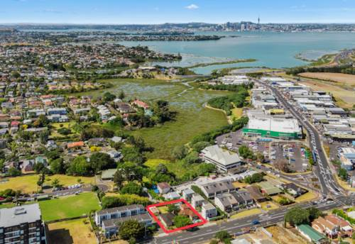 Takapuna, Priceless Location - Unlimited Potential, Property ID: 802306 | Barfoot & Thompson