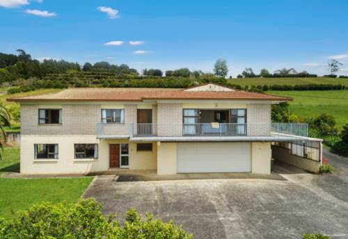 Pukekohe, 1970'S RENOVATOR'S $$ DELIGHT - SUPERB VIEWS, Property ID: 801804 | Barfoot & Thompson
