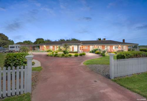 Pukekohe, !!! SERIOUS SELLERS DEMAND ACTION !!!, Property ID: 802119 | Barfoot & Thompson