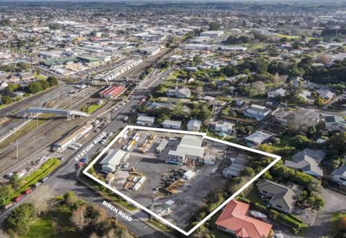 Pukekohe, LARGE YARD AND BUILDINGS - LEASE ALL OR PART, Property ID: 85123   Barfoot & Thompson
