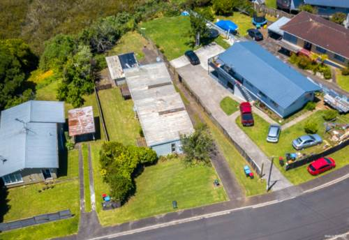Mt Wellington, OPPORTUNITY IS KNOCKING, BUY 1 OR BUY BOTH, Property ID: 802281   Barfoot & Thompson