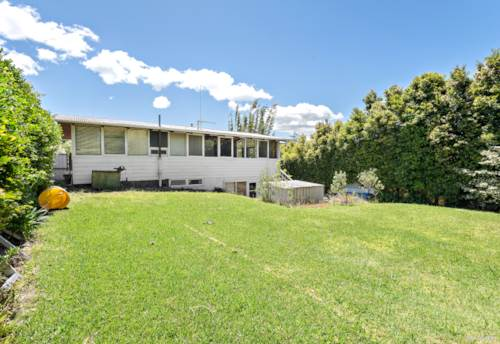 Te Atatu South, Affordable - 809m2 land - Add your own personal touch!, Property ID: 802447 | Barfoot & Thompson