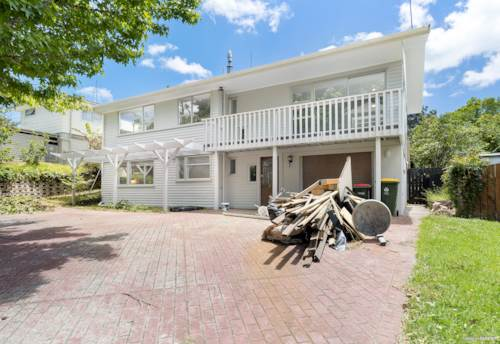 Cockle Bay, SEEKING NEW FAMILY!, Property ID: 802494 | Barfoot & Thompson
