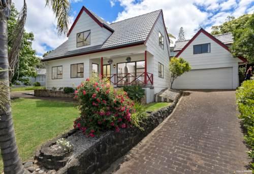 Hillsborough, FABULOUS FAMILY-SIZED HOME PLUS INCOME, Property ID: 802515   Barfoot & Thompson