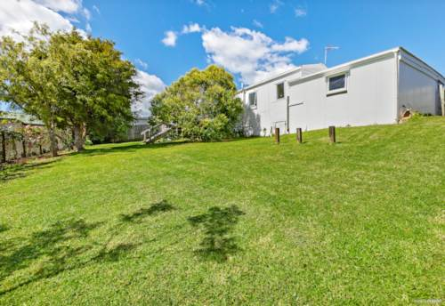 Browns Bay, Lucky double 8 - 593m² Mixed Urban in Rangi Zone, Property ID: 802653   Barfoot & Thompson