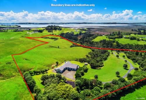 Helensville, SOPHISTICATED LIFESTYLE ON 8HA, Property ID: 802503 | Barfoot & Thompson