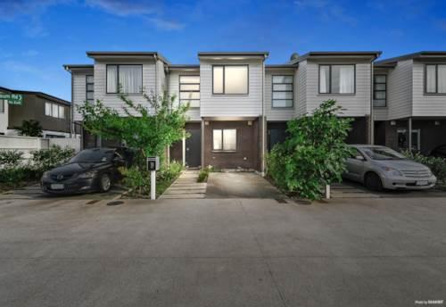 Mt Wellington, Freehold Affordable 3 Bedroom & 2.5 Bathroom Home, Property ID: 802630   Barfoot & Thompson