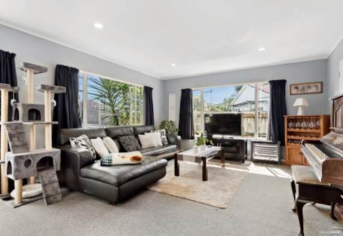 Pakuranga, Affordable Compact  Freehold Home, Property ID: 802544 | Barfoot & Thompson