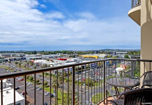 Manukau, MOVING TO NEW HORIZONS, Property ID: 802632 | Barfoot & Thompson