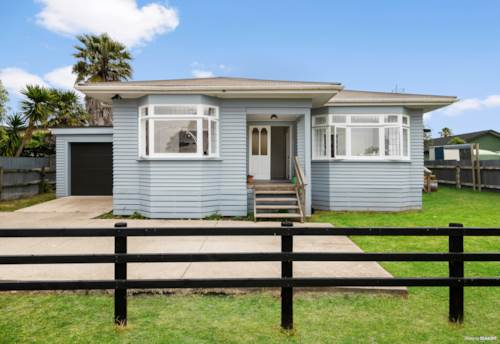 Waiuku, Character First Home or Investment, Property ID: 802661 | Barfoot & Thompson