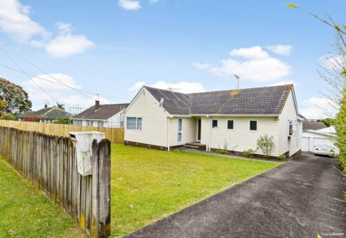 New Lynn, Selling After 31 Years - THAB, Property ID: 802621 | Barfoot & Thompson