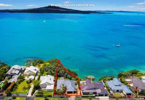 Narrow Neck, Beachfront, Panoramic Seaview, 1558 m2 Land, Property ID: 802891 | Barfoot & Thompson
