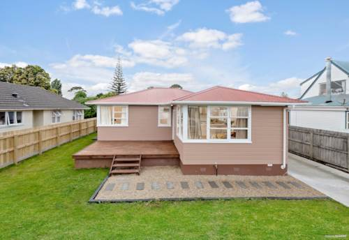 Kelston, BEAUTIFULLY RENOVATED FAMILY HOME, Property ID: 802784 | Barfoot & Thompson