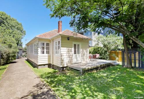 Mt Albert, Home + Legal Sleepout- 579m2 THAB, Property ID: 802978 | Barfoot & Thompson