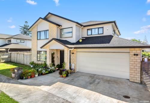 Te Atatu South, FABULOUS FAMILY HOME, Property ID: 802931 | Barfoot & Thompson