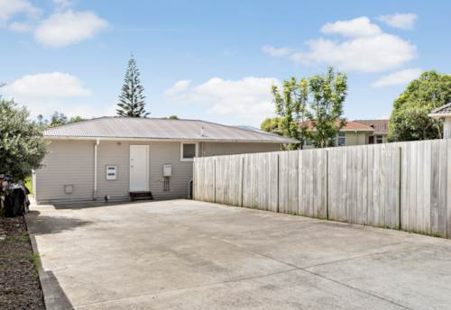 Mangere, Freehold 368m2 - Nest or Invest in Mangere, Property ID: 803255 | Barfoot & Thompson