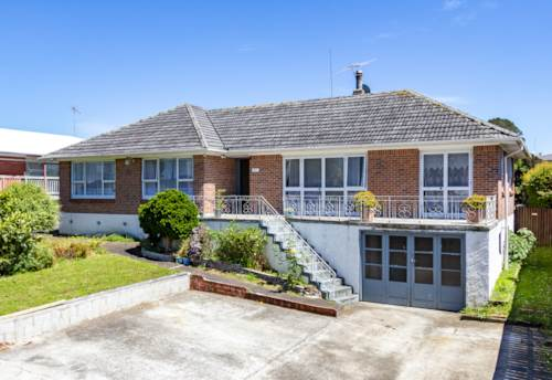 Manurewa East, DO-UP, NEST OR INVEST! HOME WITH POTENTIAL!, Property ID: 803355 | Barfoot & Thompson