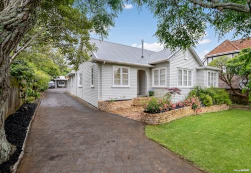 Greenlane, By Cornwall Park ? Inexpensive Leasehold Treasure, Property ID: 803217 | Barfoot & Thompson