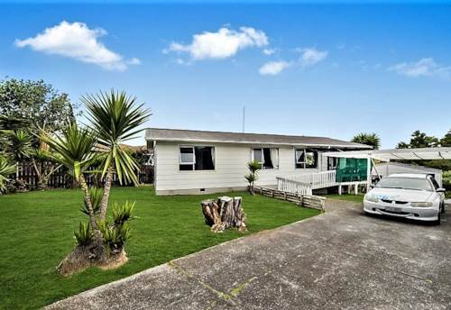 Clendon Park, Road-frontage, 3 bedrooms + 1-bathroom Double garage family, Property ID: 803031 | Barfoot & Thompson