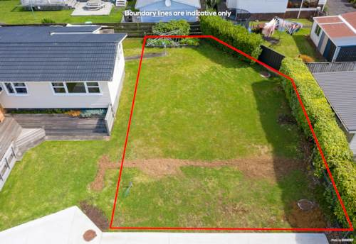 Pukekohe, Flat Freehold Section - Great Location, Property ID: 803391 | Barfoot & Thompson