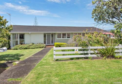 Pakuranga Heights, Big Land 1045m2, Big Opportunity!, Property ID: 803408 | Barfoot & Thompson