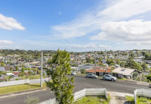 Mt Roskill, REJUVENATE THIS LOVELY HOME IN MT ROSKILL, Property ID: 803440 | Barfoot & Thompson