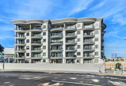 Parnell, Generous Corner side Apartment with Harbour Views, Property ID: 803325 | Barfoot & Thompson