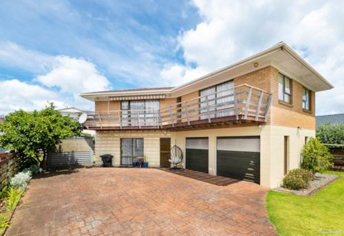 Manly, RENOVATOR'S DREAM NEAR MANLY BEACH, Property ID: 803561 | Barfoot & Thompson
