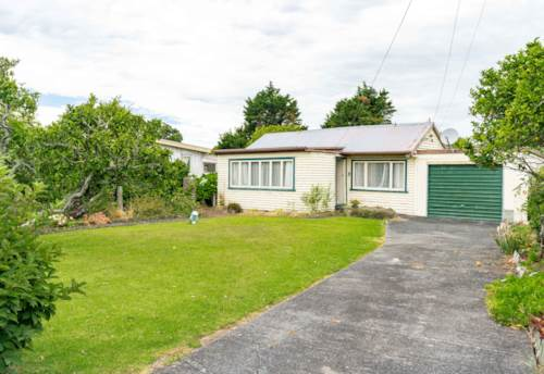 Mangawhai, Classic Kiwi Bach, Property ID: 803699 | Barfoot & Thompson