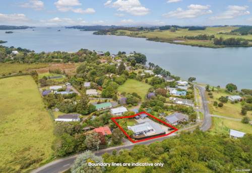 Kerikeri, Sit back relax and enjoy the view, Property ID: 803722 | Barfoot & Thompson