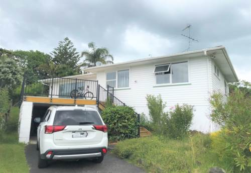 Birkdale, 3 BEDROOM PROPERTY WITH BIG SECTION , Property ID: 45002484   Barfoot & Thompson
