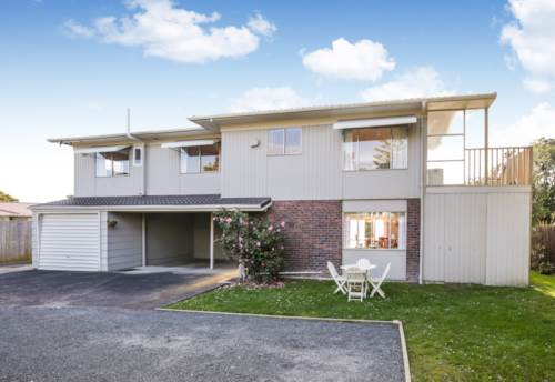 Te Atatu South, Home & Income and Landbank, Property ID: 803784 | Barfoot & Thompson