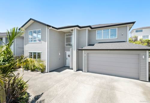 Millwater, Weatherboard Home with Stunning Layout Opposite Reserve, Property ID: 803698   Barfoot & Thompson