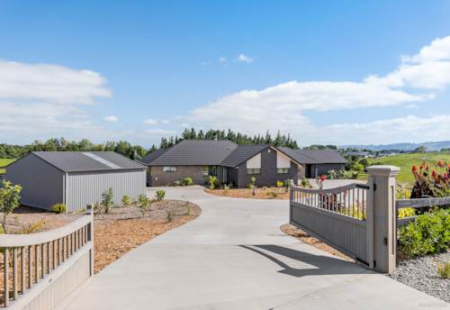 Ramarama, NEW SUBSTANTIAL 302 SQM HOME WITH GREAT SHED, Property ID: 804070 | Barfoot & Thompson