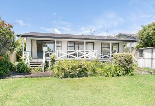 Army Bay, Renovate Me, Redevelop Me or Rent Me Out, Property ID: 804261 | Barfoot & Thompson
