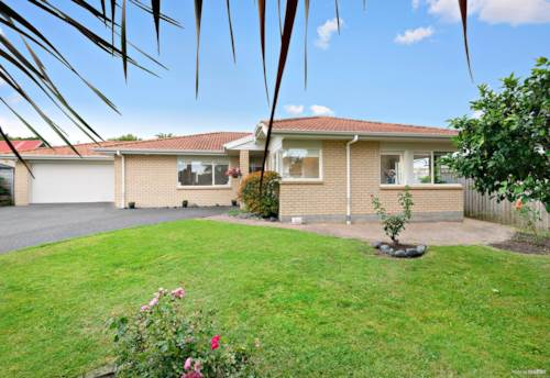 Manly, On the level by the Beach, Property ID: 804348   Barfoot & Thompson