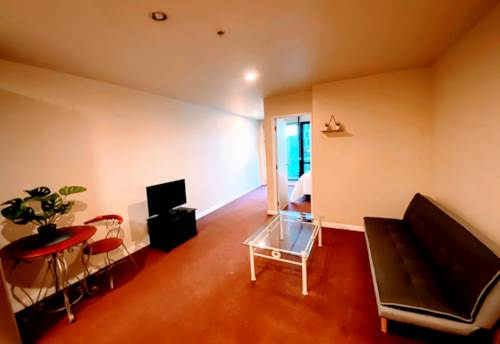 City Centre, NEW BED & COUCH  - FURNISHED ONE BEDROOM ON LEVEL 10 + INCL COLD WATER   ***PERIODIC***, Property ID: 39000365   Barfoot & Thompson