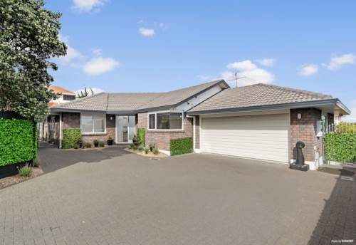Somerville, LOW MAINTENANCE, BRICK & TILE BEAUTY, Property ID: 804368   Barfoot & Thompson
