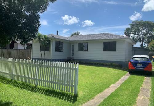 Te Atatu Peninsula, Tidy home, Property ID: 33000454 | Barfoot & Thompson
