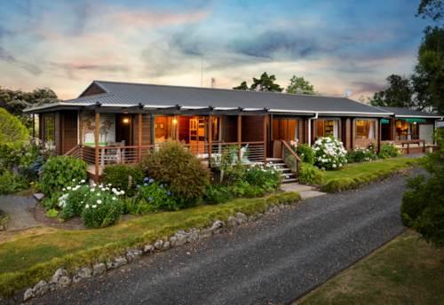 Waimauku, 10 Acre Family Home with Granny, Property ID: 804452   Barfoot & Thompson